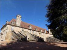 Écuries du château de Chaumont-Laguiche (Saône-et-Loire)